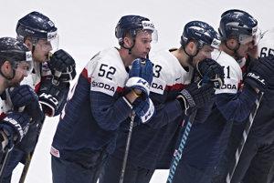 Slováci odohrali katastrofálnych niekoľko zápasov, stále majú šancu postúpiť. Bača im verí.