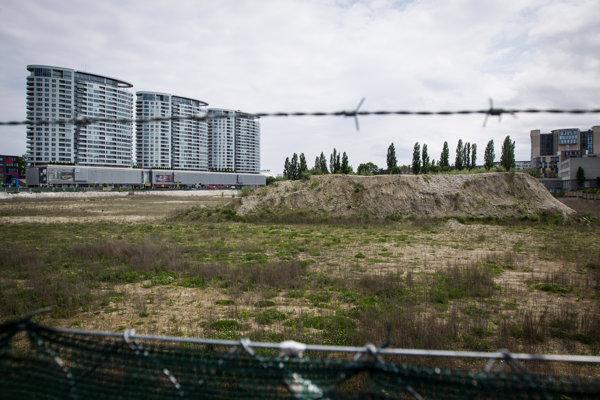 Stavebný pozemok pre Národný futbalový štadión.