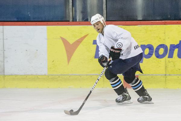 """Bývalý útočník """"corgoňov"""" Kmeč sa stal novým hlavným koučom slovenského hokejového majstra."""