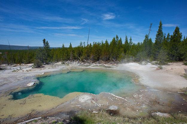 National Park Service spravuje aj najstarší národný park na svete v Yellowstone.