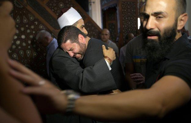 režisér Osman Abu Laban smúti za svojimi príbuznými.