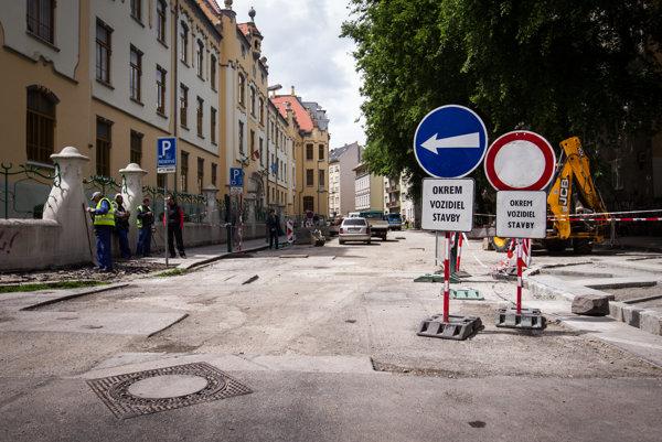 Rekonštrukcia Grösslingovej ulice sa pomaly končí.