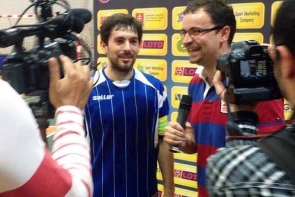 František Šporánek (v modrom drese) prispel jedným gólom k ďalšiemu víťazstvu Nového Života.