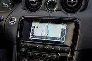Infotainmentový systém InControl Touch Pro v Jaguari XJ.