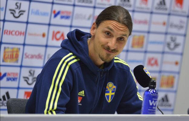 Zlatan Ibrahimovič na tlačovej konferencii svoj odchod do Manchestru United nepotvrdil.