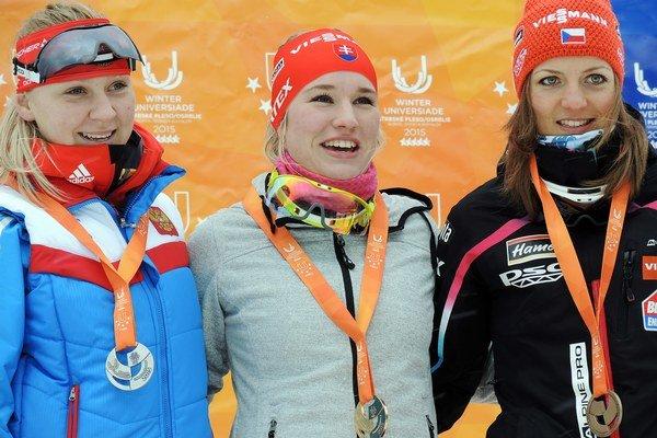 Zlatá Paulína Fialková (v strede).