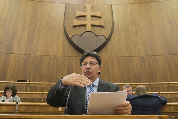 Na snímke poslanec Ján Budaj.