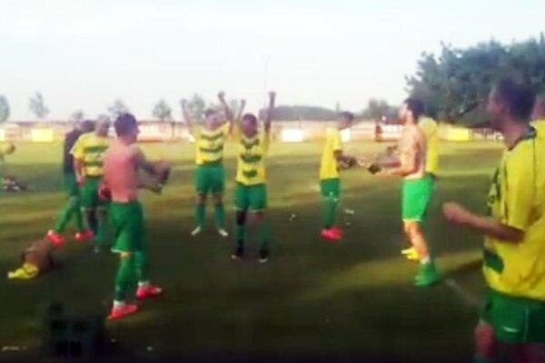 Dolné Saliby v nedeľu oslavovali celkové prvenstvo v piatej lige Juh.