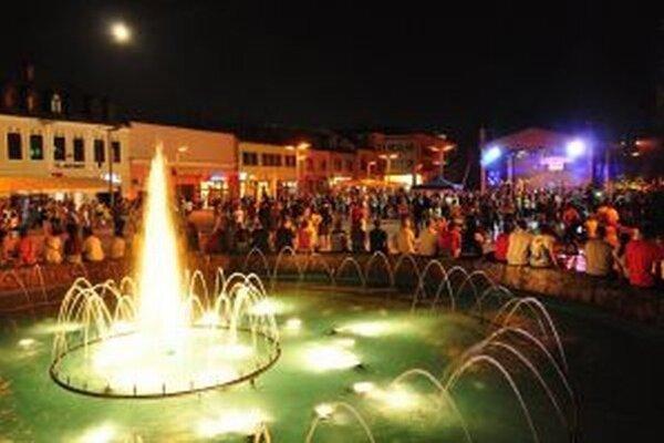 Oslavy na námestí vo Zvolene.