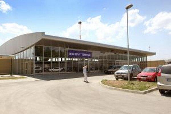 Odletový terminál na sliačskom letisku.