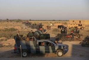 Príslušníci irackých bezpečnostných síl sa pripravujú na ofenzívu proti pozíciám militantov Islamského štátu.