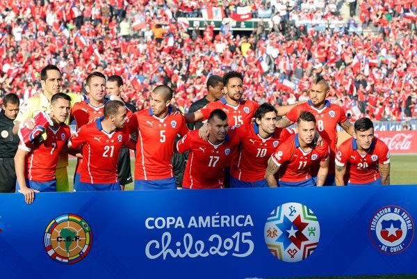 Futbalisti Chile obhajujú titul Copa América 2015.