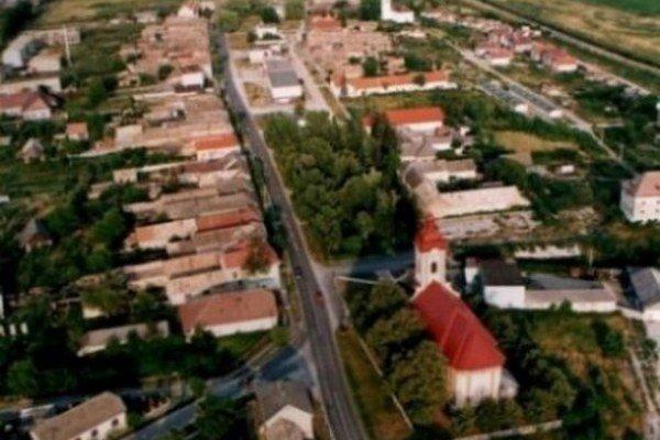 V Rimavskej Seči žije oficiálne dvetisíc obyvateľov, načierno tu býva ďalších päťsto.