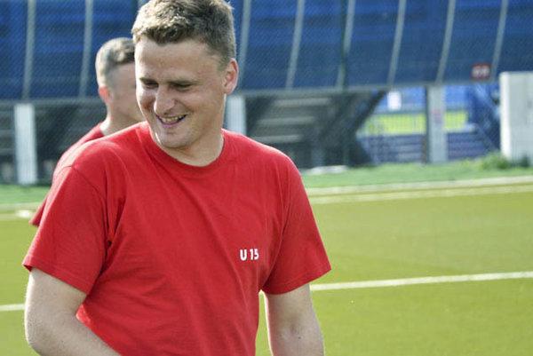 Mladý tréner Peter Jakuš dostane šancu ako asistent Petra Gergelyho.