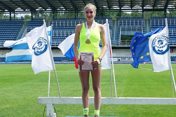 Emma Zapletalová vyhrala beh na 200 m a bola členkou zlatej štafety.