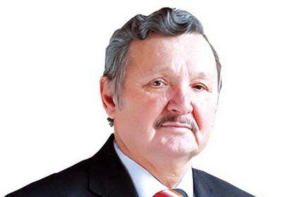 Primátor mesta Jozef Šimko sa prikláňa k variantu, že noviny by mali vychádzať dvojjazyčne v náklade sedemtisíc kusov.