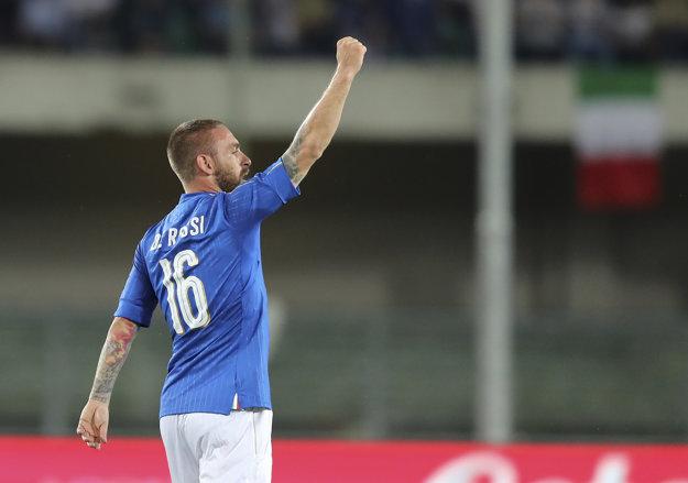 Druhý gól Talianov dal veterán De Rossi.