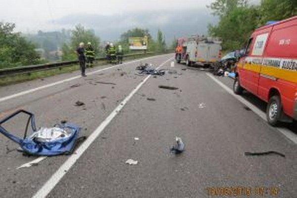 Na ceste I/18 v katastri Strečna sa stala dnes ráno okolo 6.14 hodiny tragická dopravná nehoda, pri ktorej vyhasol život 40- ročného Čecha.