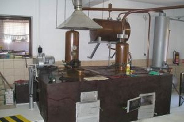 Od začiatku minulého roka riešili žilinskí colníci 24 prípadov so zákazníkmi páleníc, ktorí v žiadosti o výrobu destilátu uviedli nepravdivé údaje.
