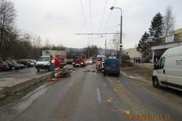 Tragická nehoda sa stala dnes po siedmej hodine ráno  na Ulici Veľký Diel v Žiline.