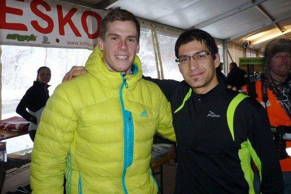 René Malý (vpravo) na fotke s triatlonistom R. Vargom.