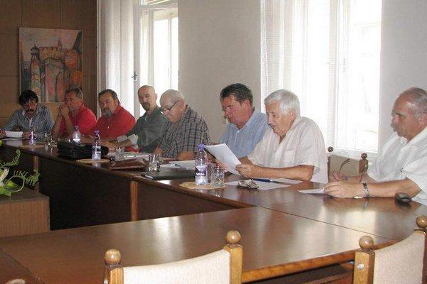 Občianske združenie malo ustanovujúce zasadnutie.