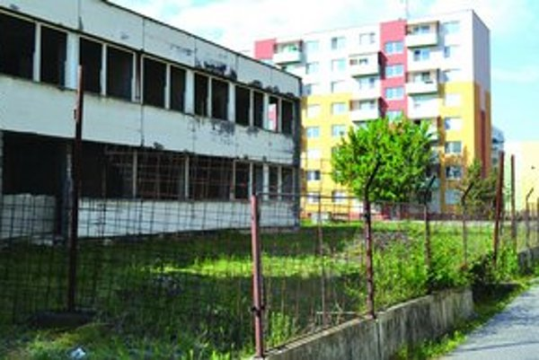 Na stav opustených objektov sa mesto rozhodlo upozorniť ich zverejnením.