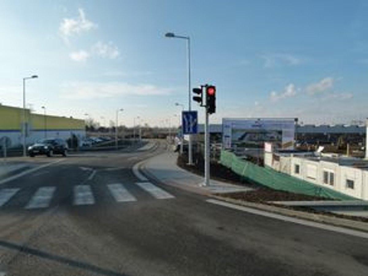 Prvé z realizovaných obchodných centier v Leviciach otvoria už v apríli v  lokalite Turecký rad. 5924aeddb73