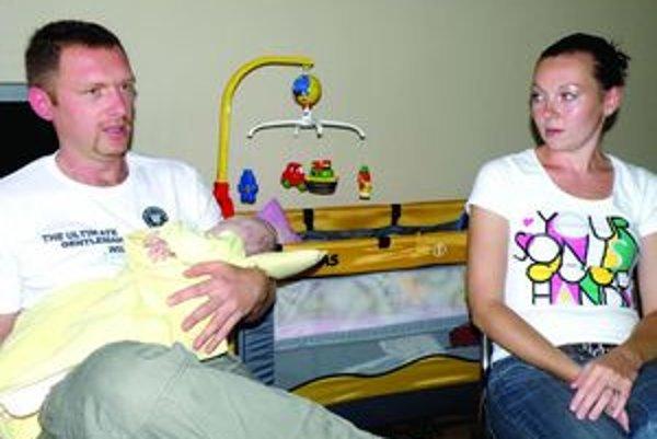 Pred štyrmi rokmi sa s Jozefom a Andreou odtrhla kabínka centrifúgy. Pred štyrmi mesiacmi sa stali rodičmi dcéry Simonky.