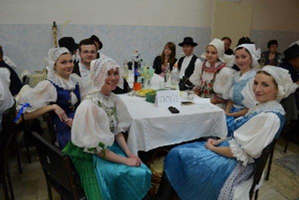 Krásne kroje a skvelá zábava sa snúbili v Sobotišti.
