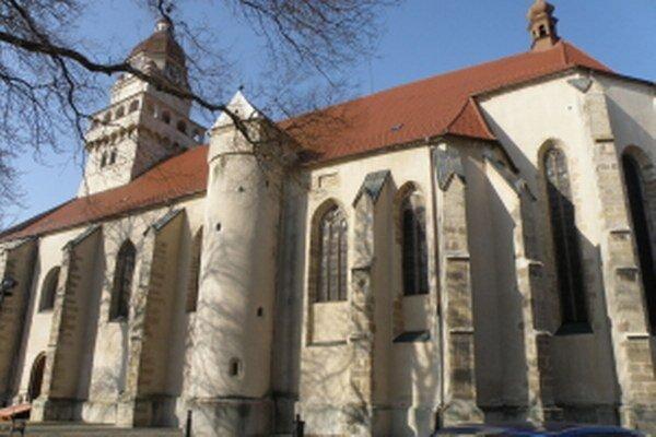 Farský kostol sv. Michala Archanjela.