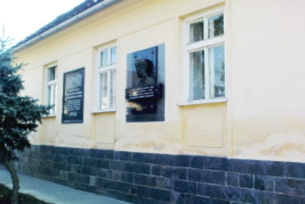 Evanjelická fara v Hlbokom, kde bola v roku 1843 uzákonená spisovná slovenčina.