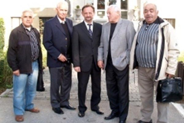 Jozefa Golonku privítali pred Mestským úradom v Šaštíne - Strážach.