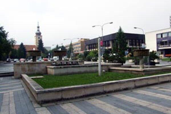 Poslanci definitívne schválili návrhy šetriacich opatrení v meste.