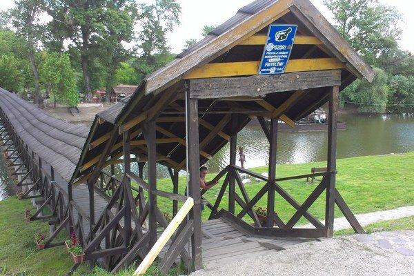 Kolárovský drevený most.