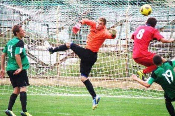 Aj takýto odzemok sa podaril hráčom v zápase 2. kola Slovnaft Cupu FKM Nové Zámky - ČFK Nitra.