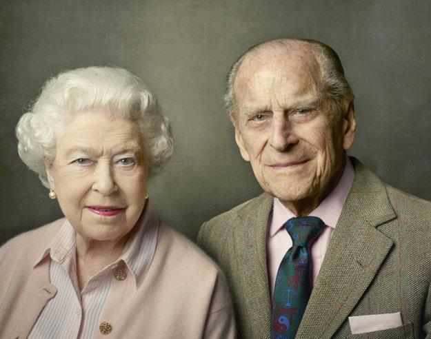 Kráľovská rodina zverejnila nový portrét kráľovského páru.