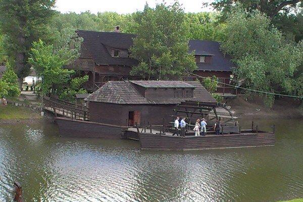 Lodný mlyn Kolárovo.