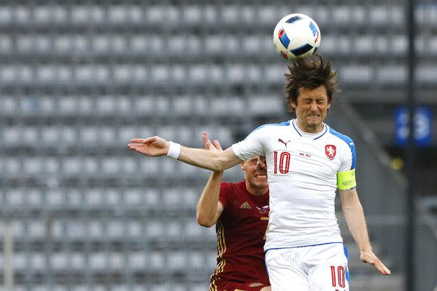Tomáš Rosický nastúpil 1. júna 2016 aj na prípravný zápas proti Rusku. V ňom si dokonca na ruku natiahol kapitánsku pásku. Reprezentačný dres si obliekol po takmer roku.