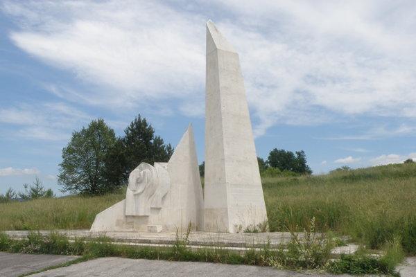 Pamätník SNP na Banskej už v súčasnosti nie je v najlepšom stave, mesto ho chce obnoviť.
