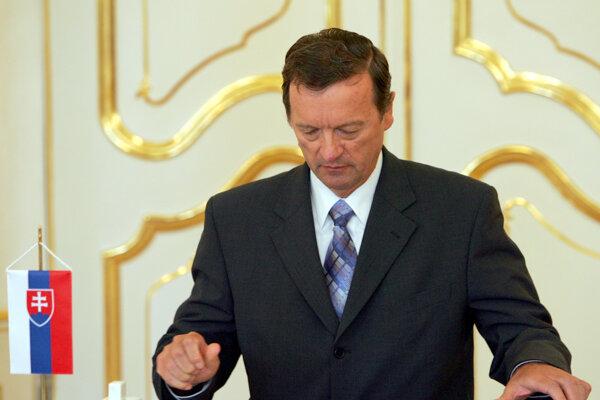Jozefovi Magalovi sa končí sedemročné funkčné obdobie koncom mája.