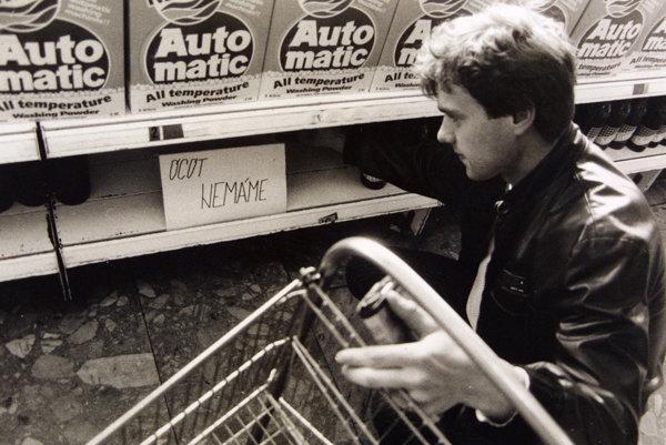 Regály v socialistických obchodoch boli často prázdne, ale niektoré populárne produkty a značky z toho obdobia s radosťou kupujeme dodnes.