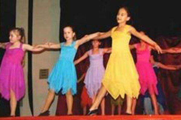 Novozámocké tanečnice.