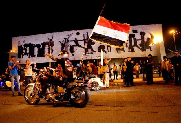 Oslavy v centre Fallúdže.