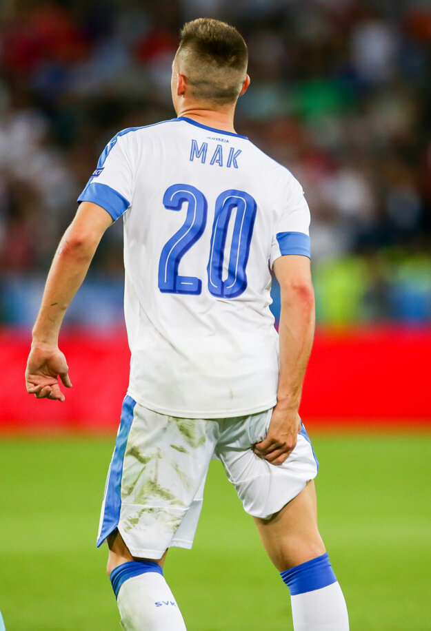 Róbert Mak si v zápase proti Anglicku natiahol stehenný sval.