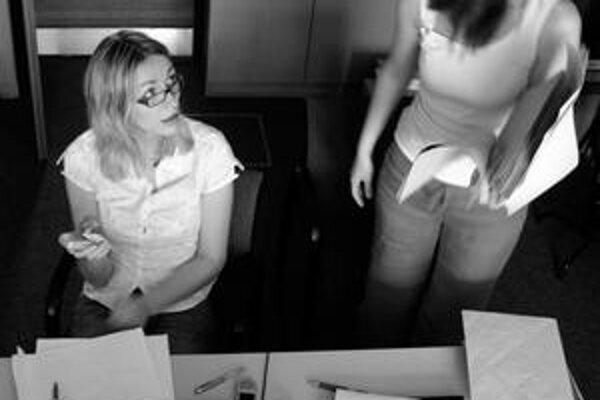 Komunikovať s  kolegami má väčší význam, ako im pripravovať prezentácie.