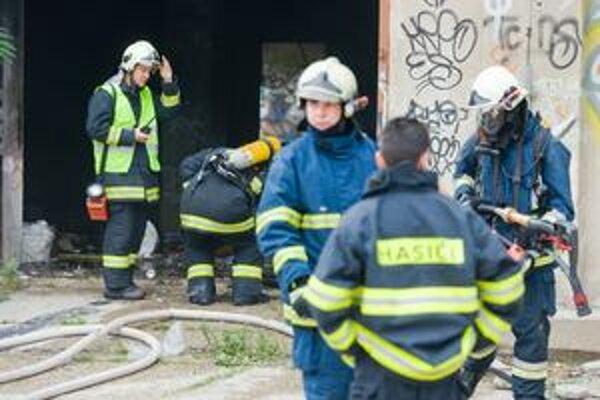 Pri úrazovom poistení hasičov posudzujú mieru rizika poisťovne individuálne.