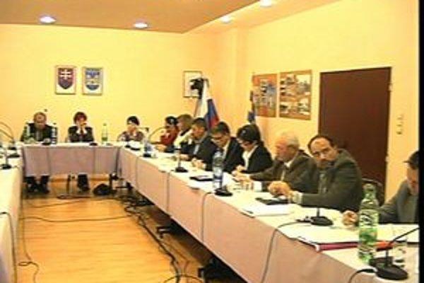 Jedno z rokovaní mestského zastupiteľstva v Hurbanove.