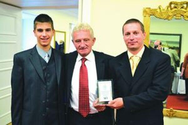 M. Vörös (vľavo)s F. Chmelárom (v strede) a P. Sárazom.