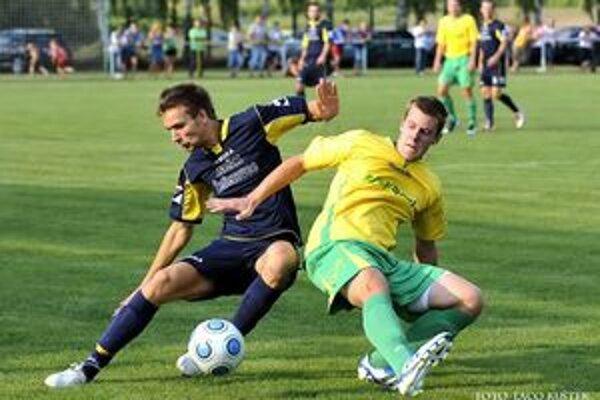 Zo zápasu Hontianska Vrbica - Želiezovce.